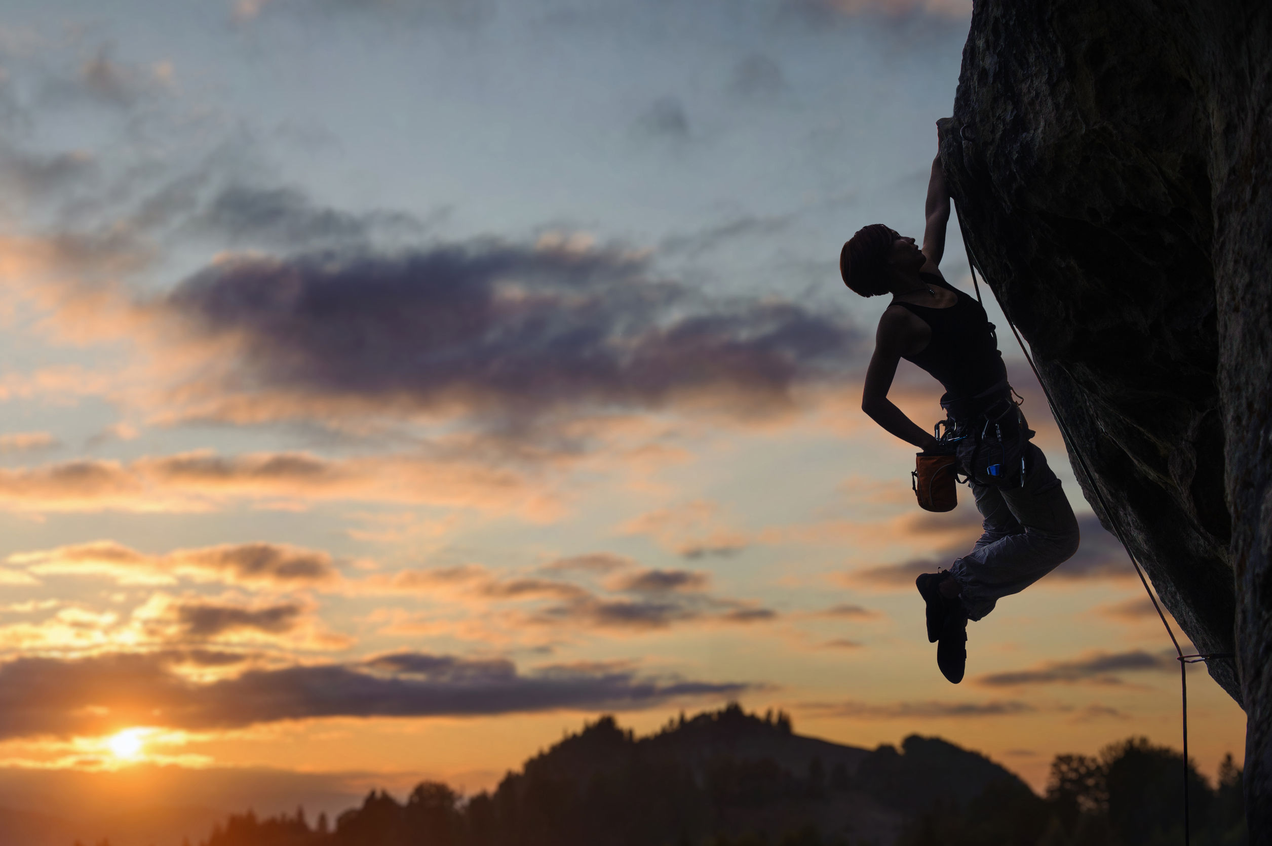 woman wall climbing building resilience how to build up your resilience