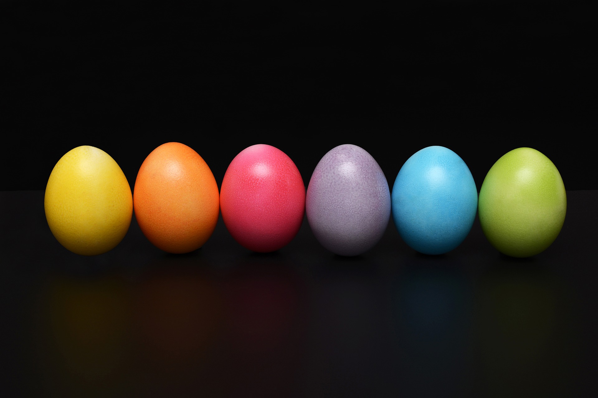 easter egg multicolour eggs psychological disorder impact eating habits festivities challenging